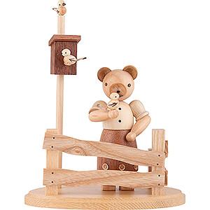 Kleine Figuren & Miniaturen Tiere Bären Bärenfrau am Gartenzaun - 13 cm