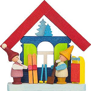 Baumschmuck Winterlich Christbaumschmuck Buntes Haus mit Zwergen und Ski - 7,5 cm