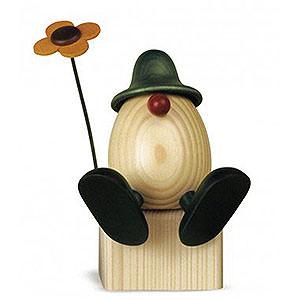 Kleine Figuren & Miniaturen Björn Köhler Eierköpfe groß Eierkopf Vater Anton mit Blume auf Kante sitzend, grün - 15 cm