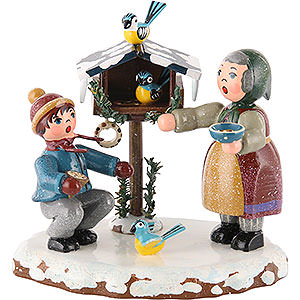 Small Figures & Ornaments Hubrig Winter Kids Winter Children Bird Feeding - 9 cm / 3,5 inch