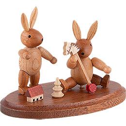 2 spielende Hasenkinder - 4 cm