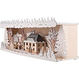 Schwibbogenerhöhung Seiffener Rathaus verschneit - 57x17 cm