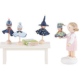 Flax Haired Children Puppeteer - 5 cm / 2 inch
