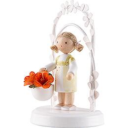 Flax Haired Children - Birthday Child with Daisies - 7,5 cm / 3 inch