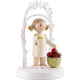 Flax Haired Children - Birthday Child with Apples - 7,5 cm / 3 inch