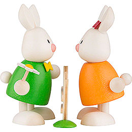 Bunnies Max and Emma kissing at the Fance - 9 cm / 3.5 inch