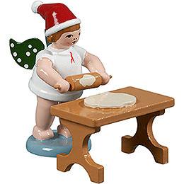 Bäckerengel mit Mütze und Teigrolle am Tisch - 6,5 cm