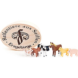 Domestic Animals in Wood Chip Box - 4 cm / 1.6 inch