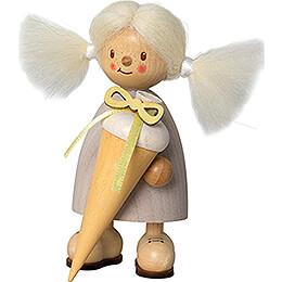 Finja als Schulanfängerin - 9 cm