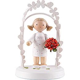Flax Haired Children - Birthday Child with Rowanberries - 7,5 cm / 3 inch