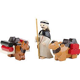 Kameltreiber und liegende Kamele 3-teilig farbig - 7 cm