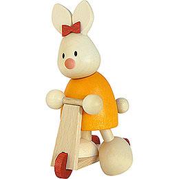Kaninchen Emma auf Roller - 9 cm