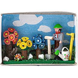 Matchbox - Gardener - 4 cm / 1.6 inch