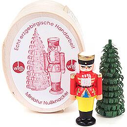 Nussknacker und Bäumchen in Spandose - 3 cm