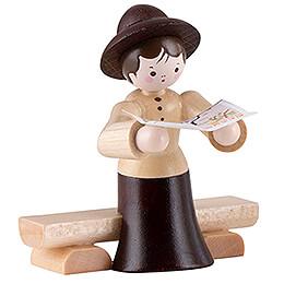 Thiel-Figur Wandersfrau auf Bank - natur - 5,5 cm