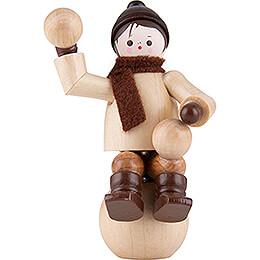Thiel-Figur Winterkind auf Schneekugel - natur - 6 cm