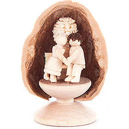 Walnussschale mit Liebespaar - 5 cm