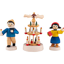 Winter Children with Pyramid - 3 pcs. - stained - 7 cm / 2.8 inch